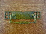 Old brass bungalow backplate/drop handle CH-1503.03